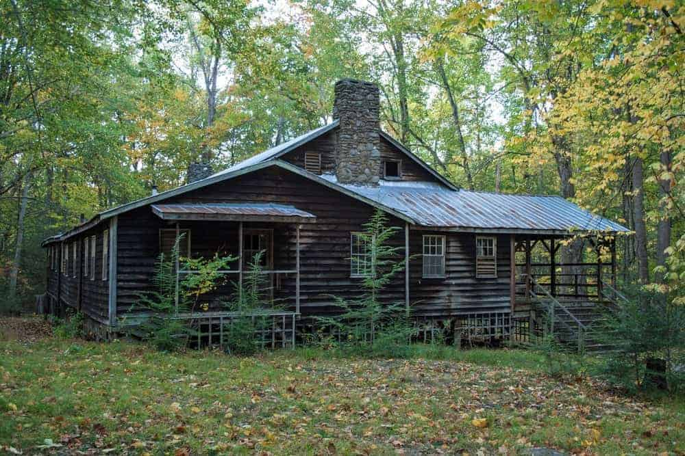 An abandoned cabin in the Elkmont ghost town.