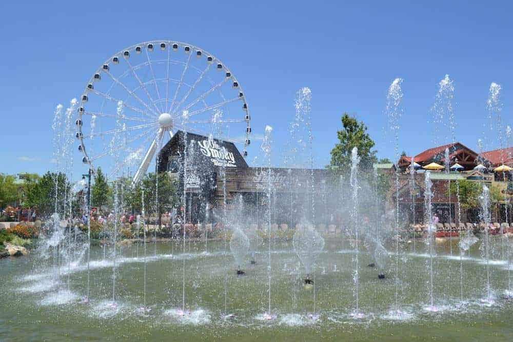 Island Show Fountain in Pigeon Forge
