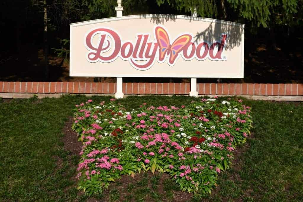 dollywood sign with flowers