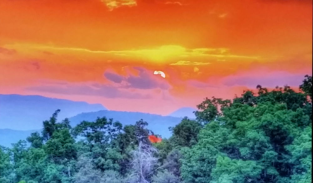 JEWEL IN THE SMOKIES describes this cabin INSIDE & OUTSIDE with intense sunsets