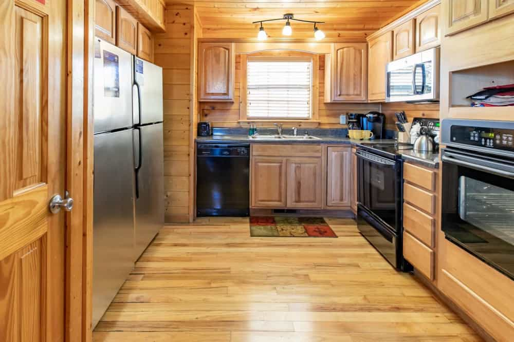 Rocky Mountain Mansion with VIEWS! 8BR, Hot Tubs, Pool