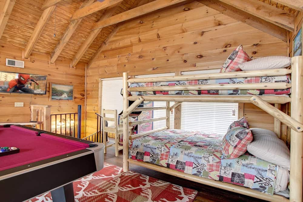 Mountaintop Mill — Private Log Cabin, Great View, Centrally Located