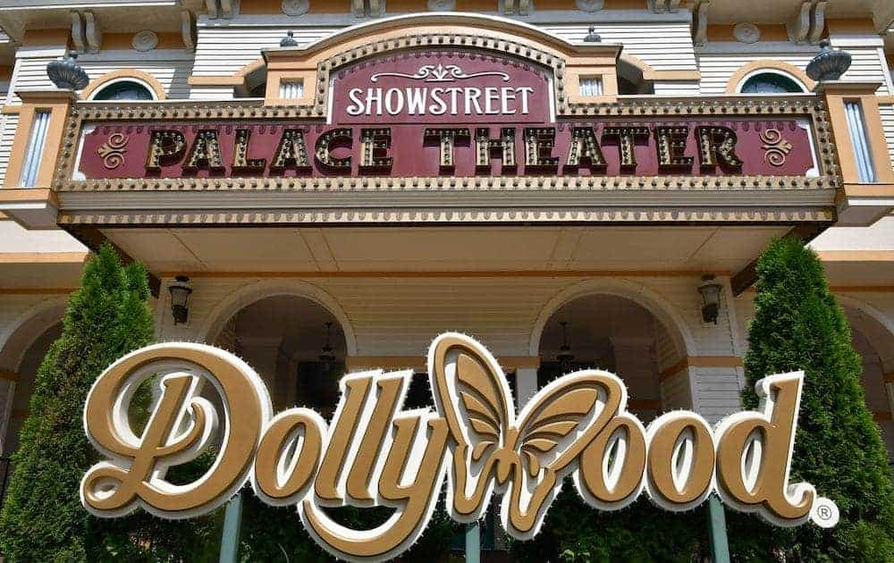 Dollywood sign at Showstreet Theater