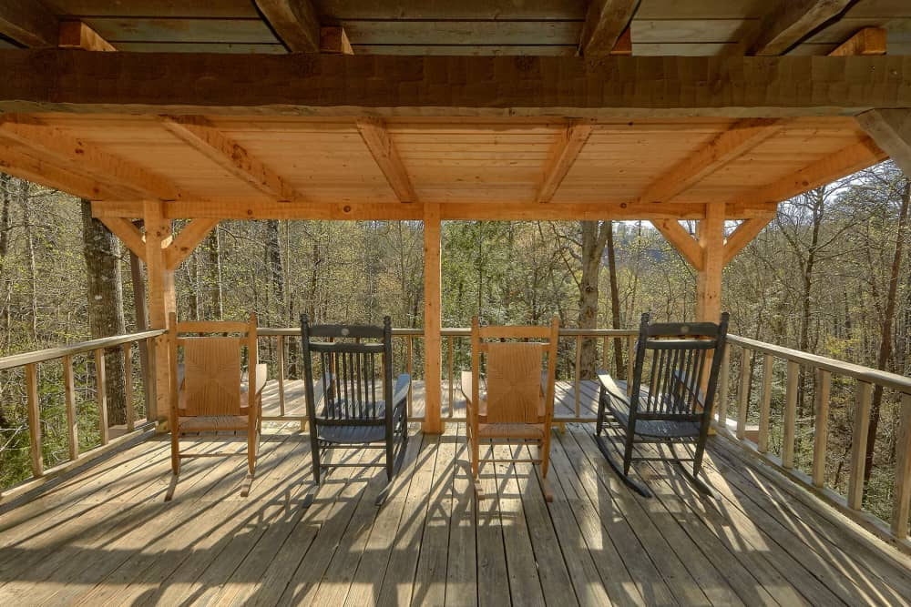 Lower covered deck