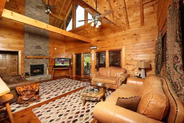 Whispering Creek Lodge